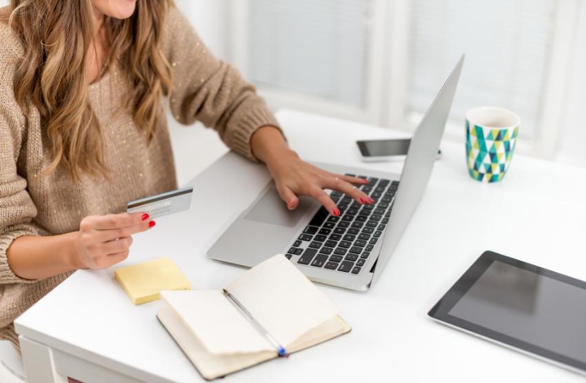 nő laptop bakkártya füzet